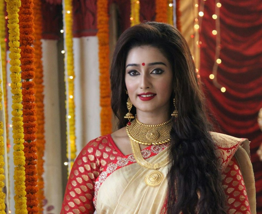 Sayantika Banerjee Latest Photos 31