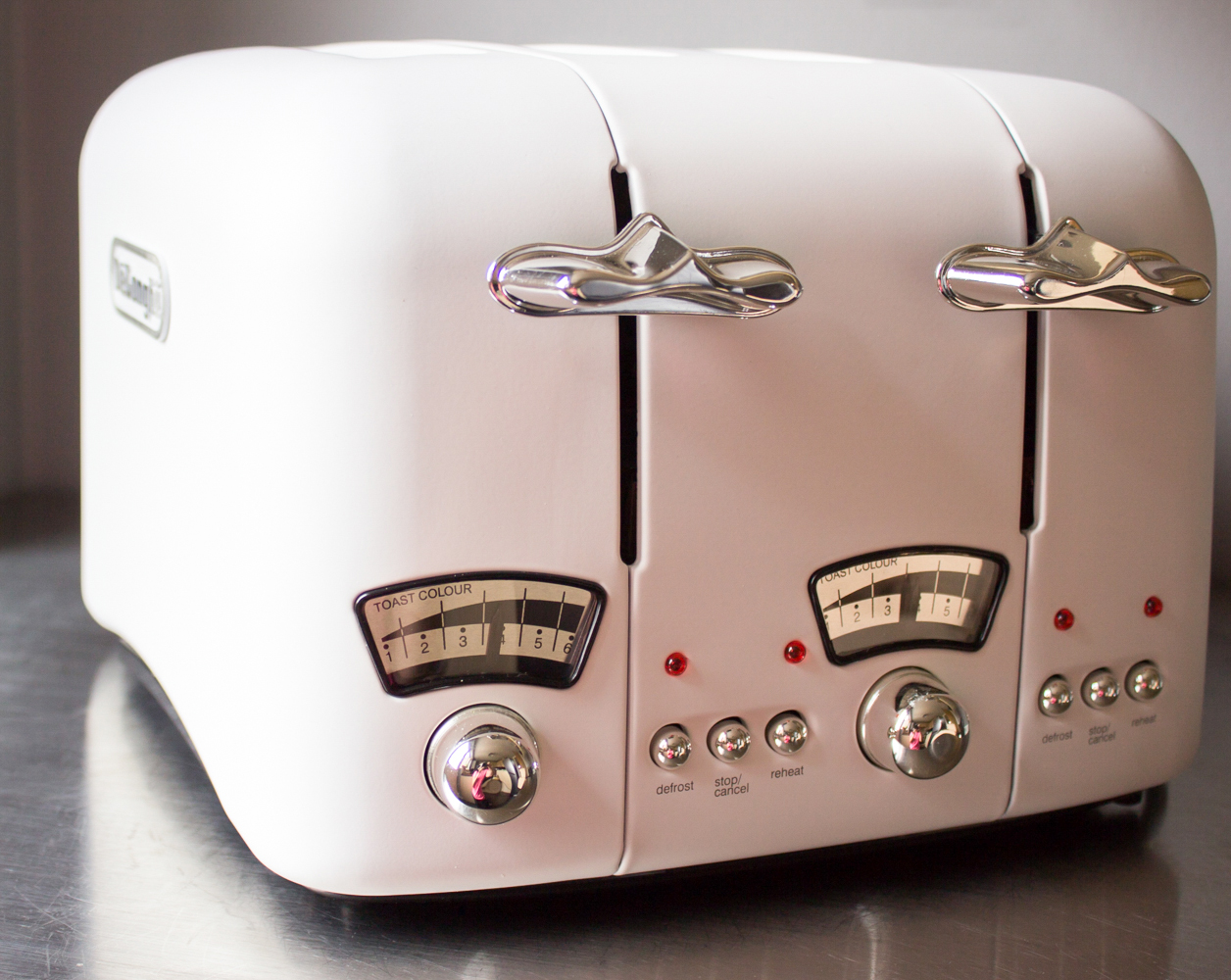 Delonghi Toaster 4 Scheiben Delonghi Argento White 4 Slot Toaster Review A Glug Of Oil
