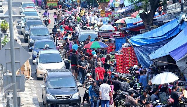 Cara Naik Kereta KRL ke Pasar Gembrong