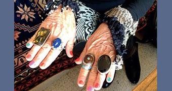 Donne, età e vestiti: un progetto della mia amica Laura - Donne che vestono ridono e vivono