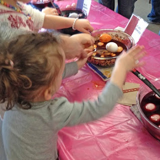 dying eggs at Eastman Nature Center's EGGstravaganza Day