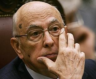 """LE NOTIZIE DEL GIORNO. Monito di Napolitano contro il caos emendamenti. Renzi incalza Letta sul rimpasto di governo. Forza Italia vuole """"boicottare"""" il messaggio di fine anno del presidente"""