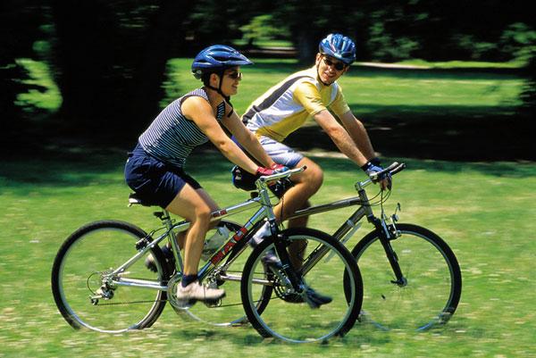 Đi xe đạp buổi sáng có tốt không