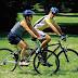 Bất ngờ với những tác dụng khi đạp xe thể dục buổi sáng