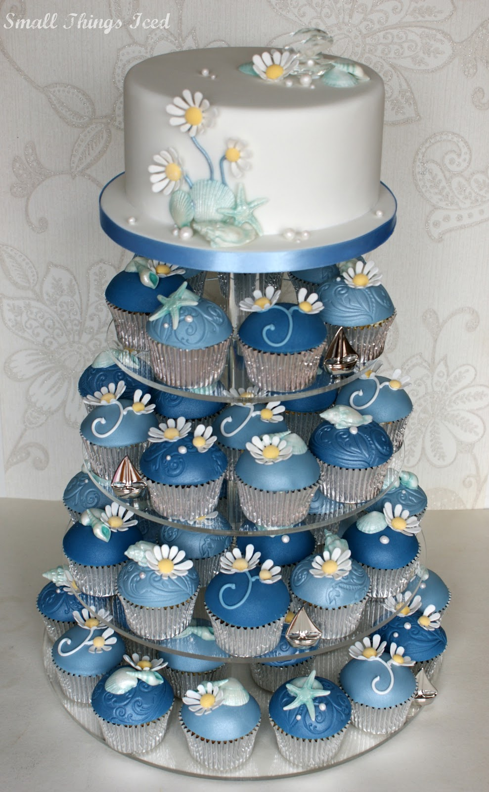 Small Things Iced Daisy Amp Sea Shell Cupcake Tower 2