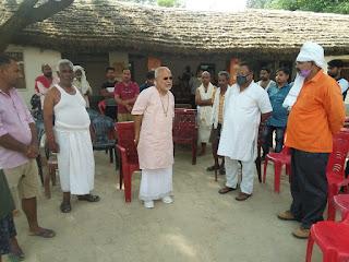 पूर्व गृहराज्य स्वामी चिन्मयानंद पहुंचे जौनपुर, भाजपा नेता राजमणि सिंह के परिजनों को बंधाया ढांढस   #NayaSabera