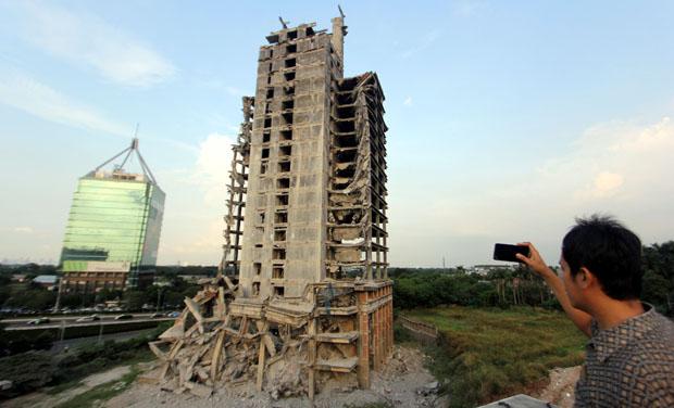 Gedung Ambruk di Bintaro Sektor 7 Segera Dirubuhkan