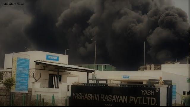 गुजरात के भरूच में केमिकल फैक्ट्री में विस्फोट से लगी आग, 57 घायल 5 की मौत।