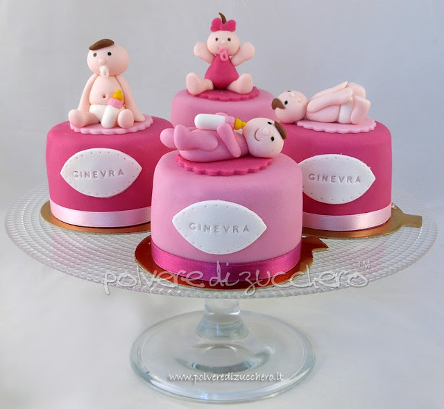 mini cakes decorate battesimo polvere di zucchero
