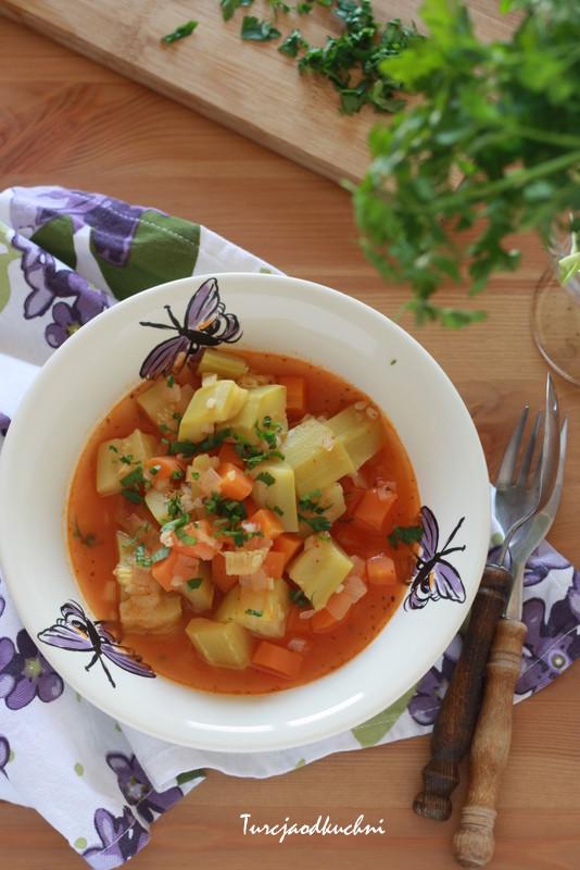 Potrawka z marchewką i cukinią / Havuçlu kabak yemeği