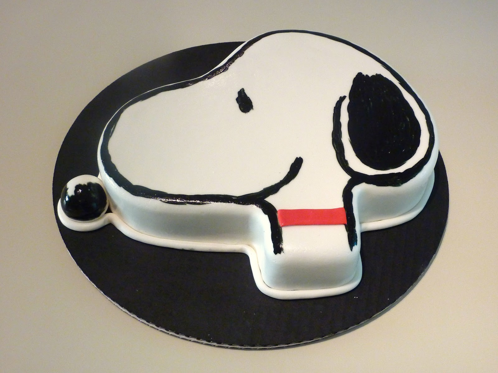 Creative Crumbs Nashville Snoopy Birthday Cake