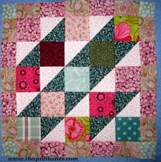 Quilt Ladies 52 Weeks of Quilt Pattern Blocks, Week 34, Free Church Window Quilt Pattern