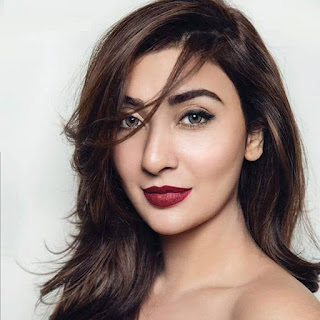Ayesha Khan husband, age, sister, pics, wedding, photos, family, marriage, pakistani actress name, dramas, dr, movies and tv shows, drama list, with her husband, hot, new drama, wedding video, senior, wedding pics, dresses, instagram, facebook