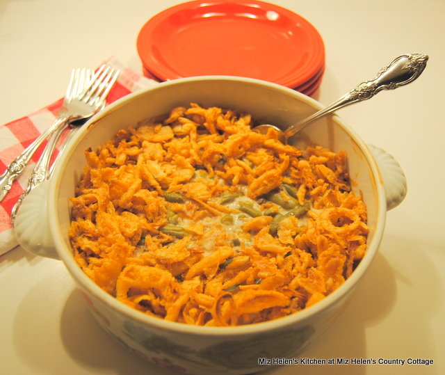 Retro Green Bean Casserole at Miz Helen's Country Cottage