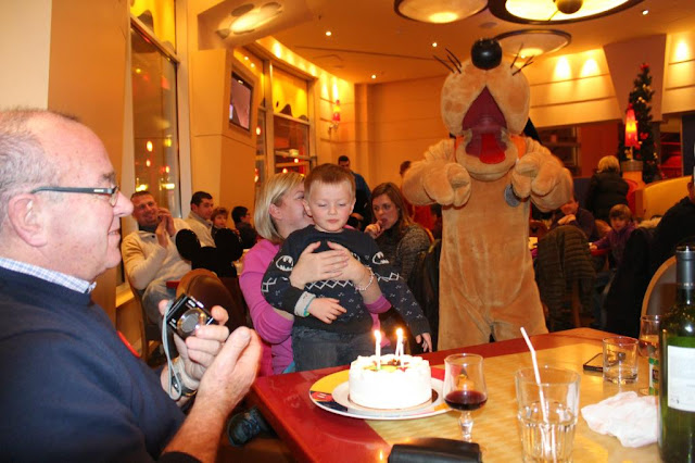 birthday cake cafe mickey