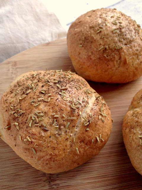 Black Pepper & Rosemary Bread Rolls - (Vegan & Low Fat) Delicious hearty bread rolls, perfect warm out of the oven with a warming bowl of soup