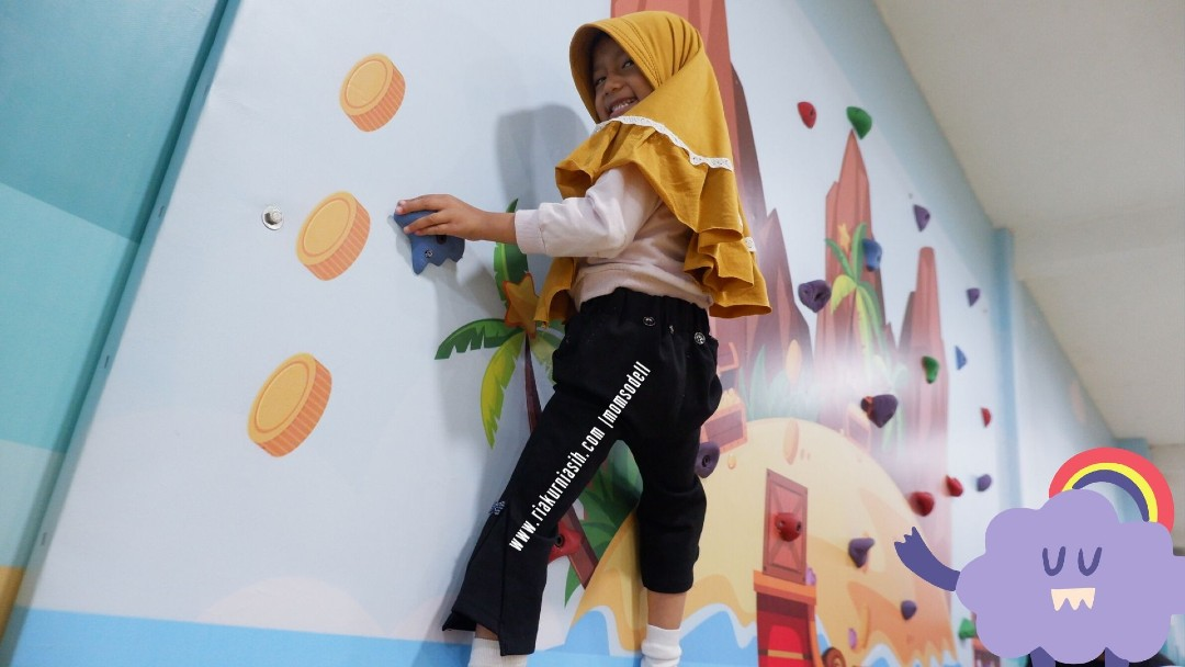 Permainan Wall Climbing Happy Kiddy