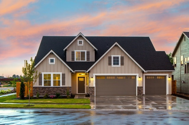 5 Reasons To Invest In Real-estate