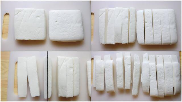 はんぺんをそれぞれを5等分に切り、さらに厚みを半分に切ります。(計20本できます)