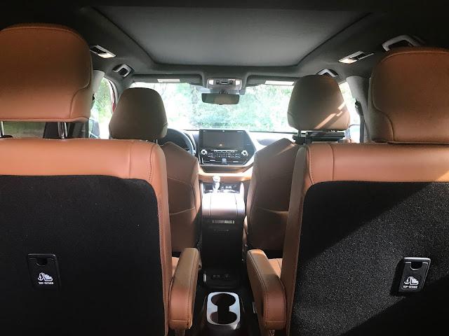 Interior view of 2020 Toyota Highlander Hybrid Platinum