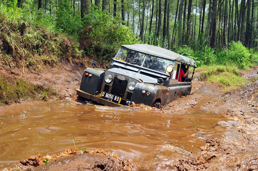 OFFROAD DI LEMBANG | Outbound Adventure Menantang Adrenalin
