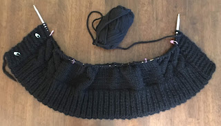 Pattern is by DROPS Design knitted with Eskimo