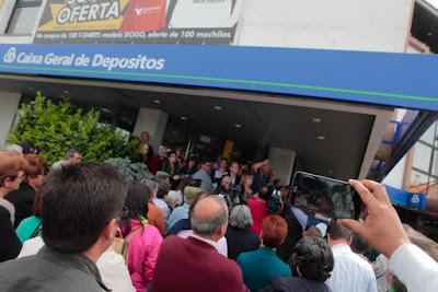 http://rr.sapo.pt/noticia/83016/a_luta_continua_habitantes_de_almeida_voltam_aos_protestos_contra_fecho_da_caixa