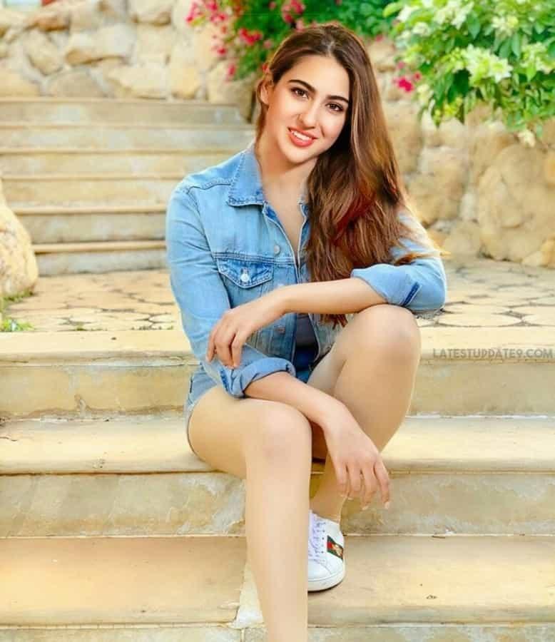 sara ali khan thighs, sara ali khan legs
