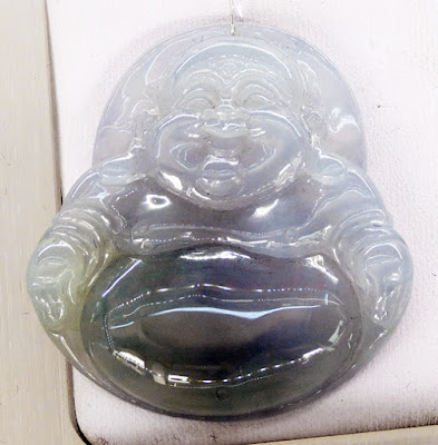 Jade Buddha pendant in lavender and white transparent style