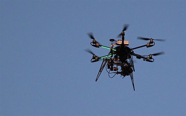 Dron durante una fiesta celebrada en Ansio