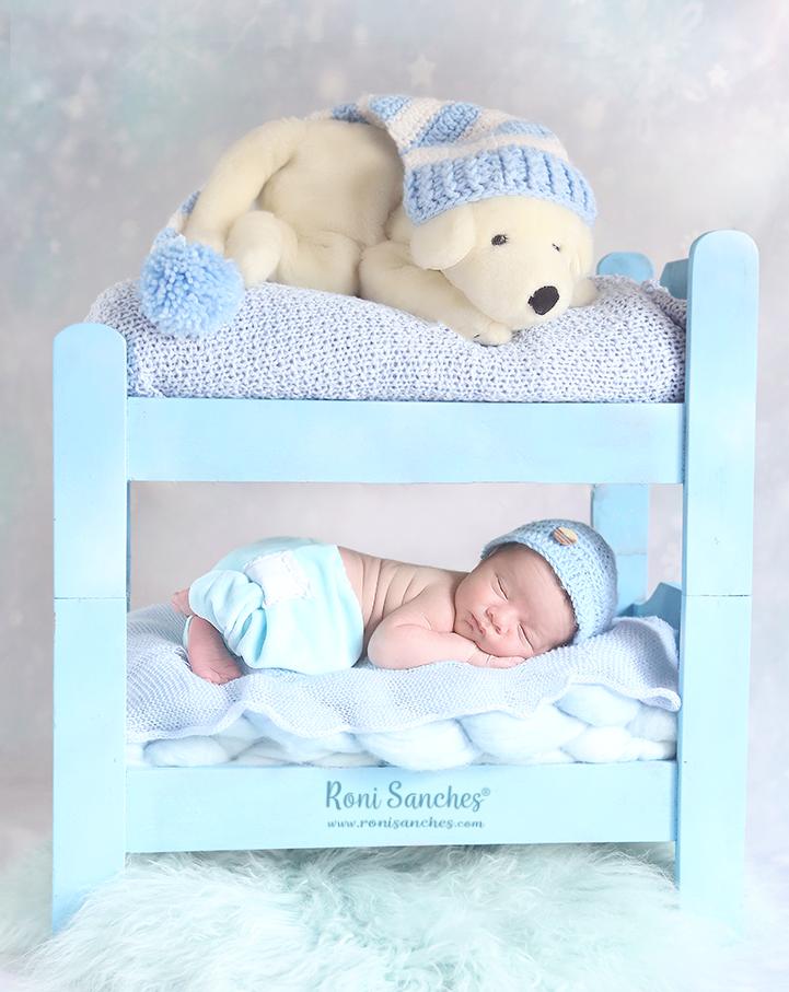 book de bebê recém nascido newborn na beliche