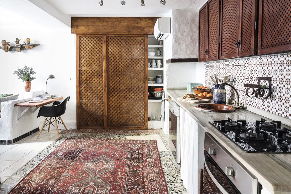 Canillas de Aceituno, Spain, holiday, rent, apartment, townhouse, rental, vacationhome, home, interior, spanish, style, interiorphotography, interior design, photographer, Frida Steiner, Visualaddict, visualaddictfrida, kitchen, cupoard