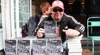 "Petualangannya ke seluruh penjuru negeri untuk menyaksikan langsung pertandingan-pertandingan Liga Indonesia selama satu dasawarsa terakhir menulurkan sebuah buku berjudul ""Sepakbola: The Indonesian Way Of Life""."