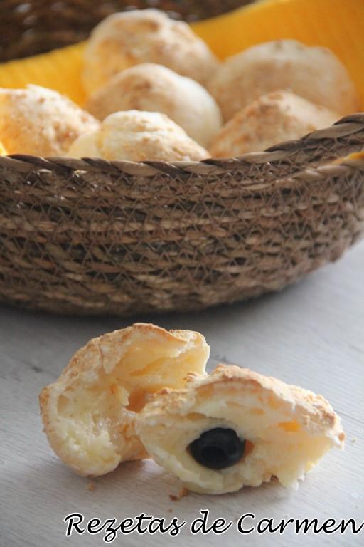 Pan de queso y aceitunas