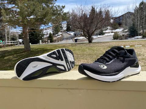 Topo Athletic Men/'s Ultrafly 3 Road Running Shoe