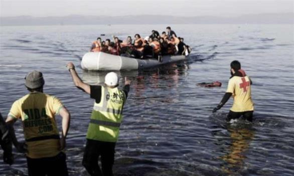 Μαζί με τους πρώτους μετανάστες ήρθαν και οι «ορδές» των ΜΚΟ
