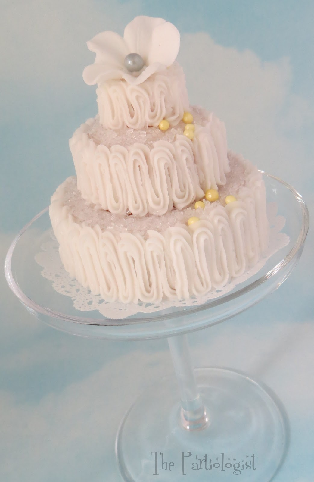 The Partiologist Mini Tiered Wedding Cake Tutorial