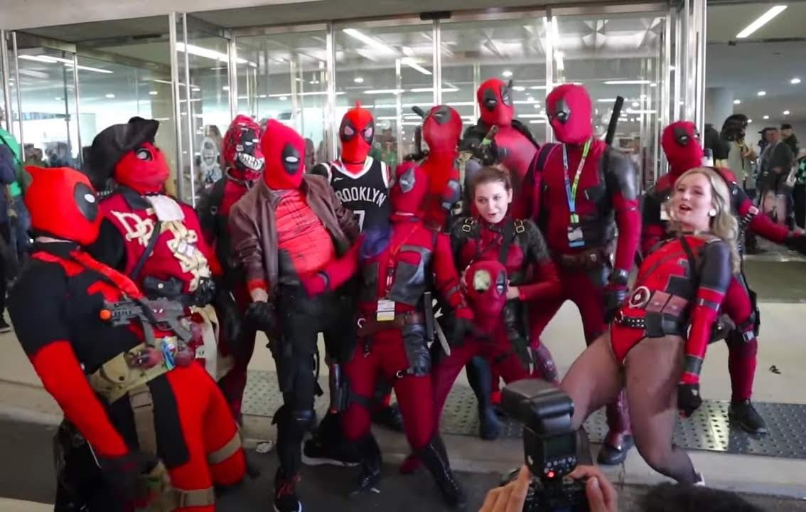 Deadpool vs New York Comic Con : おなじみのお騒がせデッドプールが、ニューヨーク・コミック・コンに出現 ! !