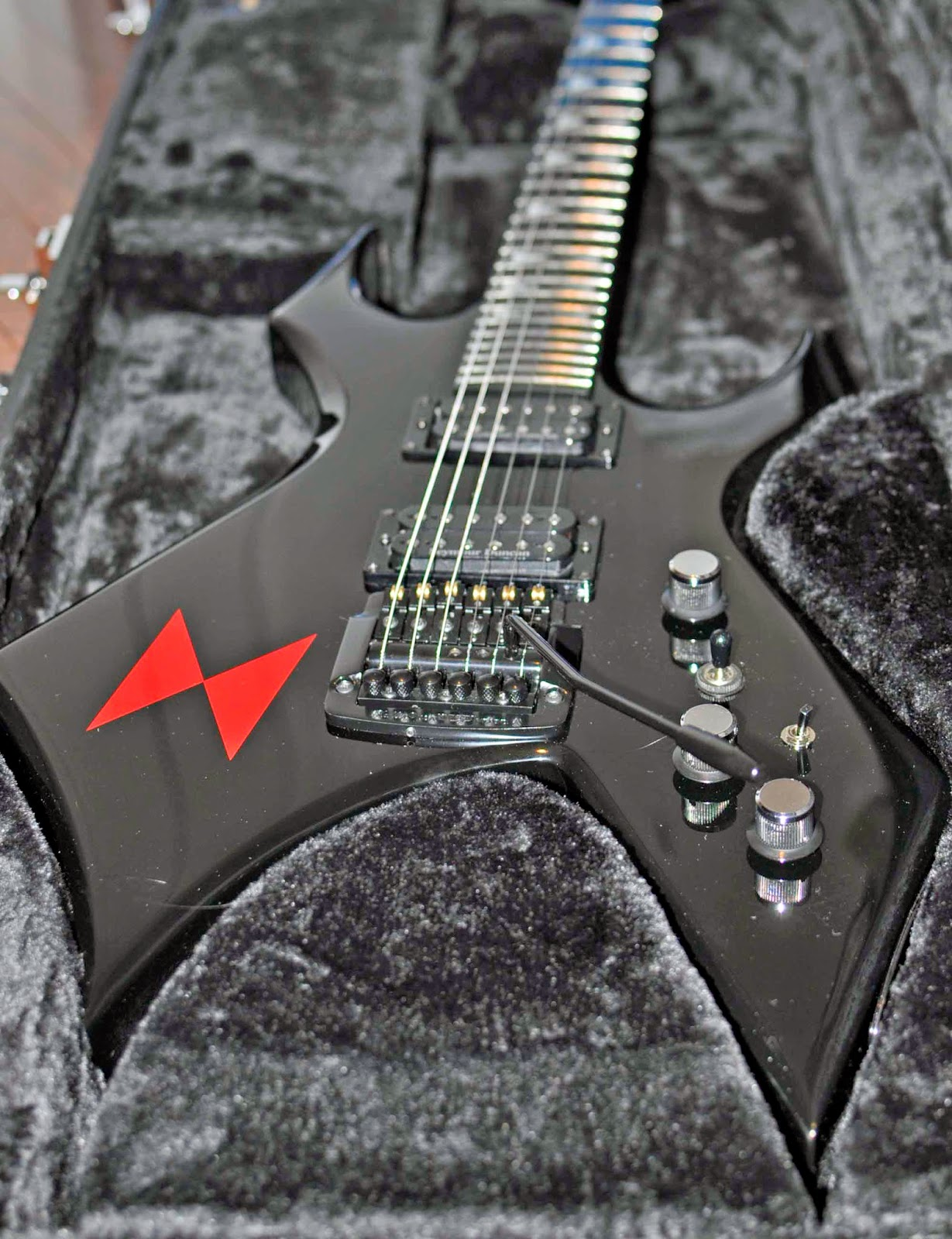 Review The Bc Rich Lita Ford Signature Quot Black Widow Quot Warlock