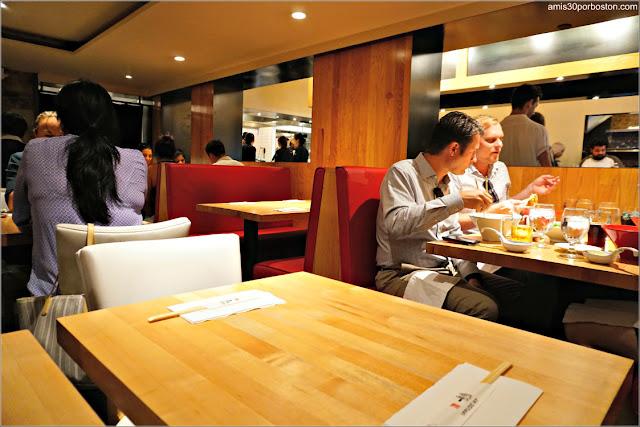 Comedor del Restaurante de Ramén Japonés Ippudo Westside en Nueva York