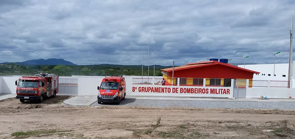 Em Delmiro Gouveia, bombeiros são acionados para socorrer vítimas de capotamento na AL-220