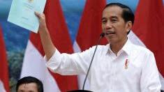 Joko Widodo Kembali Bagikan Sertifikat di Manado, Sulut