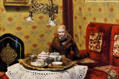 historische Puppenstube, puppen kaffee szene