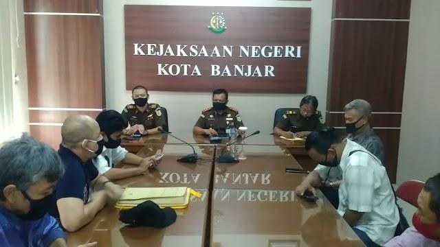 FRDB Di Kejari Bongkar 5 Dugaan Korupsi Banjar Seiring KPK Proses Dinasti