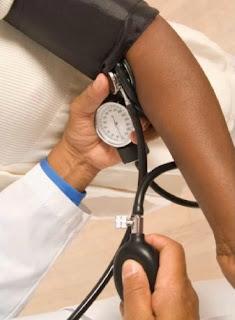 menjadi salah satu gangguan kesehatan yang berbahaya Pantangan Makanan Penderita Darah Tinggi