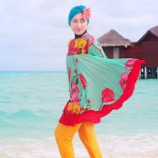 Model Baju Pantai Wanita Muslimah Modern Terbaru