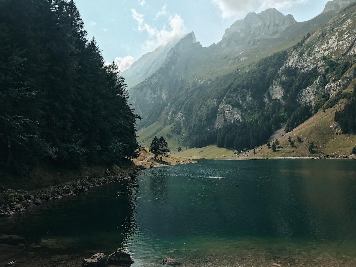 Alpstein Appenzeller Land schönste Wanderung Schweiz Höhenbergweg Äscher Wildkirchli Schäfler Grat Mesmer Seealpsee Aescher