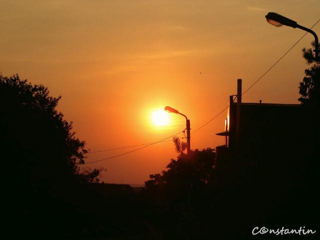 """""""Strada mea cu un singur bec"""" - Apus la Rîpa Galbenã - blog FOTO-IDEEA"""