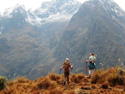 Мачу-Пикчу, Перу. Machu Picchu, Peru в горах прогулка, восхождение, девушки