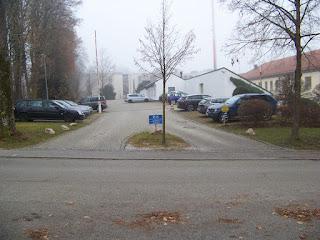 Parkplatz bei der Polizeidirektion Traunstein